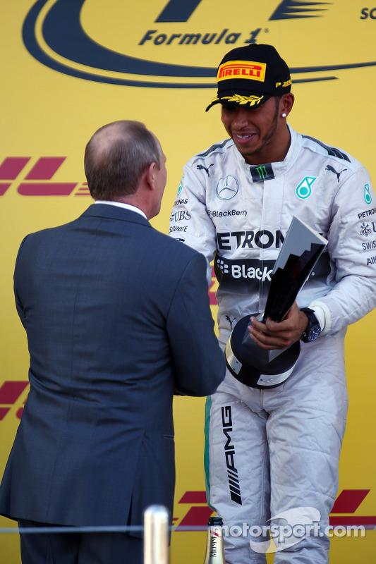 Vladimir Putin, Rusya Federation Başkanı ve Lewis Hamilton, Mercedes AMG F1