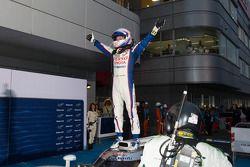 Vainqueur: Anthony Davidson heureux
