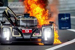 #9 Lotus CLM P1/01 - AER: Christophe Bouchut, James Rossiter, Pierre Kaffer goes up in flames