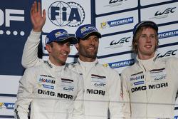 3èmes: Mark Webber, Brendon Hartley, Timo Bernhard