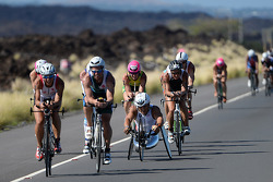Alex Zanardi gareggia nell'Hawaii long-distance triathlon