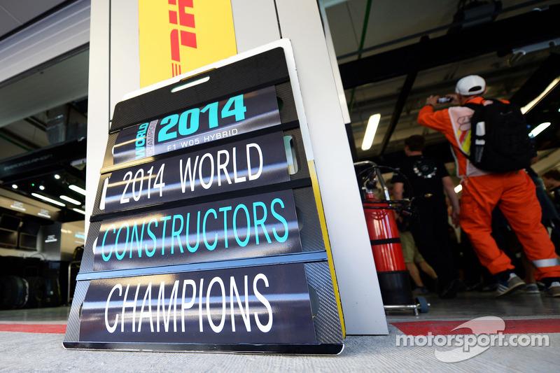 Mercedes AMG F1 celebra el Campeonato de constructores de 2014