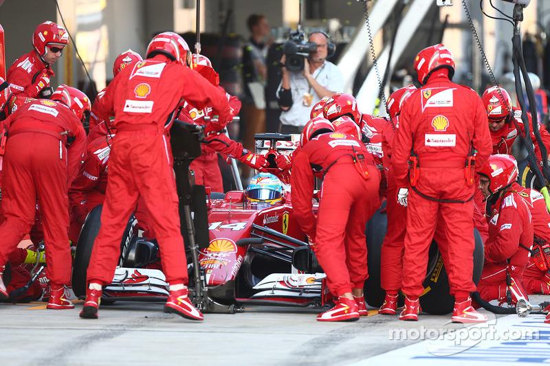 Fernando Alonso, Ferrari pit stop