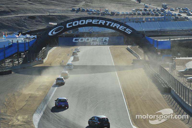 B Spec race action