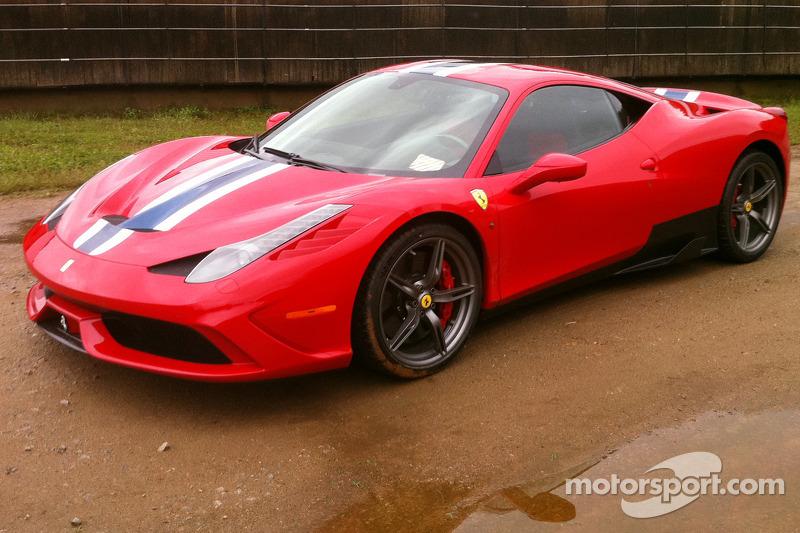 Ferrari 458 İtalya Speciale