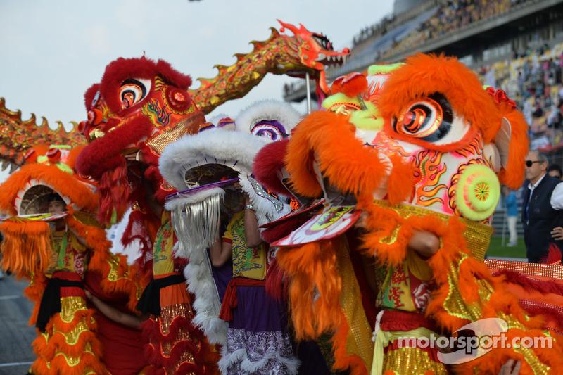 Çin yarış öncesi faaliyetler