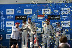 podium race 1 winner Jose Maria Lopez, Citroën C-Elysee WTCC, Citroën Total WTCC, second place Ma Qi