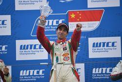 Winnaar race 2 Mehdi Bennani, Honda Civic WTCC, Proteam Racing