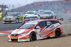 Matt Neal, Honda Yuasa Racing , Course 1