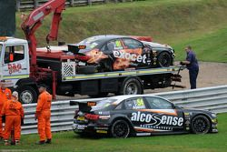 Rob Austin Racing dupla do Audi danificado