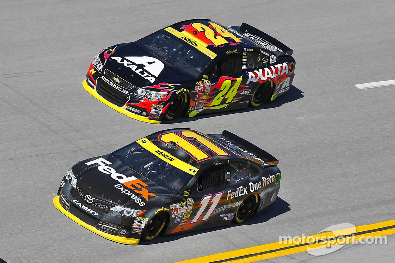 Denny Hamlin ve Jeff Gordon
