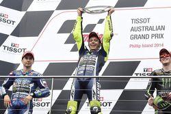 Podio: vincitore della gara Valentino Rossi, secondo posto di Jorge Lorenzo, terzo posto Bradley Smi