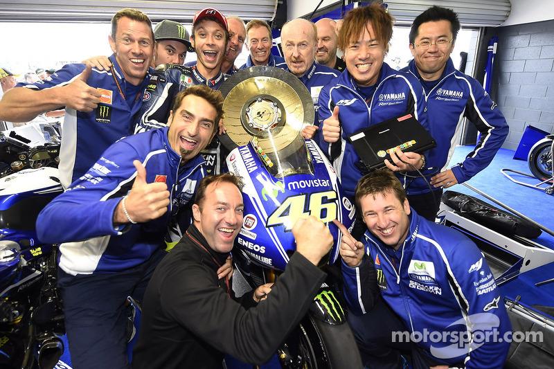 Cagandor de la carrera Valentino Rossi, Yamaha Factory Racing