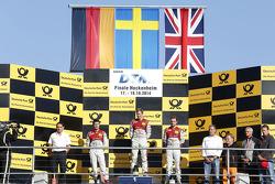 Podio, segundo lugar Mike Rockenfeller, Audi Sport Team Phoenix Audi RS 5 DTM, Mattias Ekstrom primer lugar, Audi Sport Team Abt Sportsline Audi RS 5 DTM