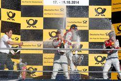 Champagner für die Fahrer