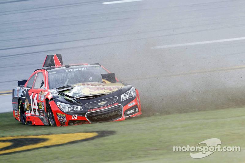 Tony Stewart, Stewart-Haas Chevrolet en difficulté