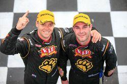 I vincitori della gara Shane van Gisbergen e Jonathon Webb