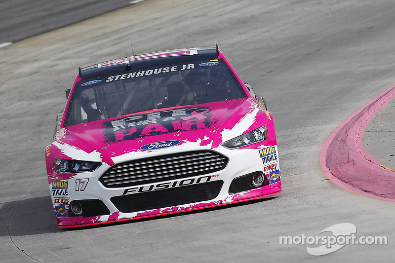 También Ricky Stenhouse Jr en su Roush Fenway Racing Ford en Martinsville 2014...