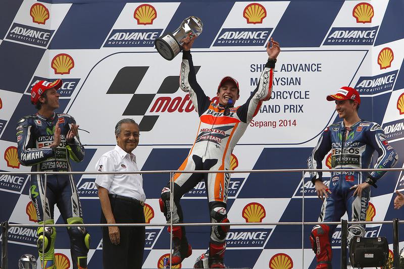 Le podium du GP de Malaisie 2014 : Marc Márquez, Valentino Rossi, Jorge Lorenzo