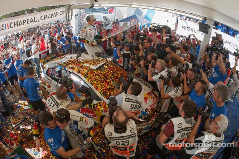 Vincitori e campioni 2014 WRC Sébastien Ogier e Julien Ingrassia, Volkswagen Polo WRC, Volkswagen Motorsport