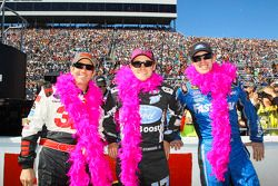 Greg Biffle, Ricky Stenhouse Jr., Carl Edwards wear pink for Breast Cancer Awareness