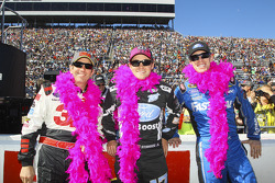 Greg Biffle, Ricky Stenhouse Jr., Carl Edwards wear pink for Breast Cancer Awareness