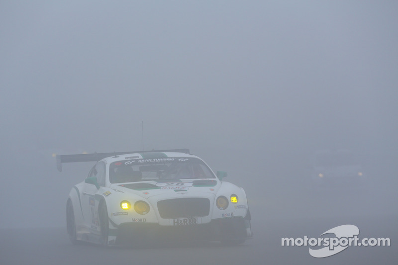 #28 Bentley Motorsport Bentley Continental GT3: Steven Kane, Andy Meyrick, Guy Smith