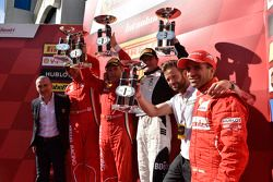 Coppa Shell podium: race winner Rick Lovat, second place Massimiliano Bianchi, third place Jacques Duyver