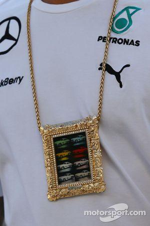 Halskette von Lewis Hamilton