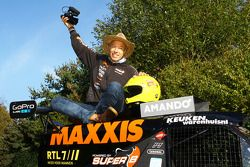 Tom Coronel with the Maxxis Dakar Team buggy