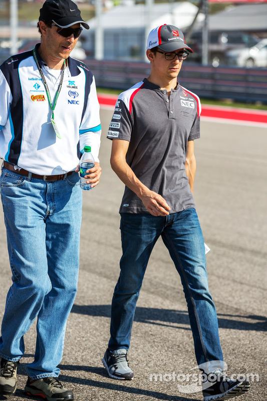 Esteban Gutierrez, Sauber, caminha na pista
