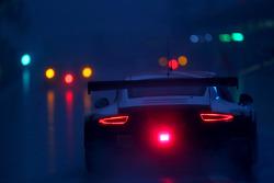 Yağmur ve karanlık aksiyonu