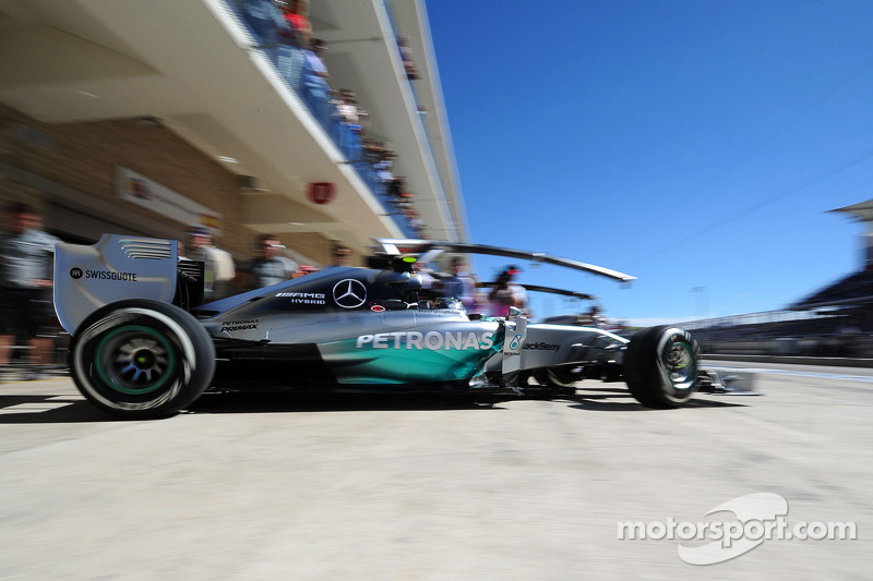 Nico Rosberg, Mercedes AMG F1 W05 sale  de pits