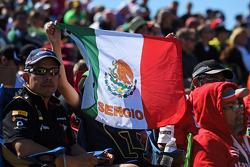 Un joven fan de Sergio Pérez, Sahara Force India F1
