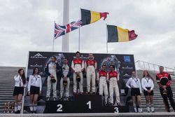Classificação race pódio: vencedoress Cesar Ramos, Laurens Vanthoor, segundo lugar Andy Soucek, Jonny Adam, terceiro lugar Stephane Richelmi, Stéphane Ortelli