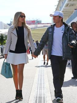 Nico Rosberg, Mercedes AMG F1 con su esposa Vivian Rosberg (GER)