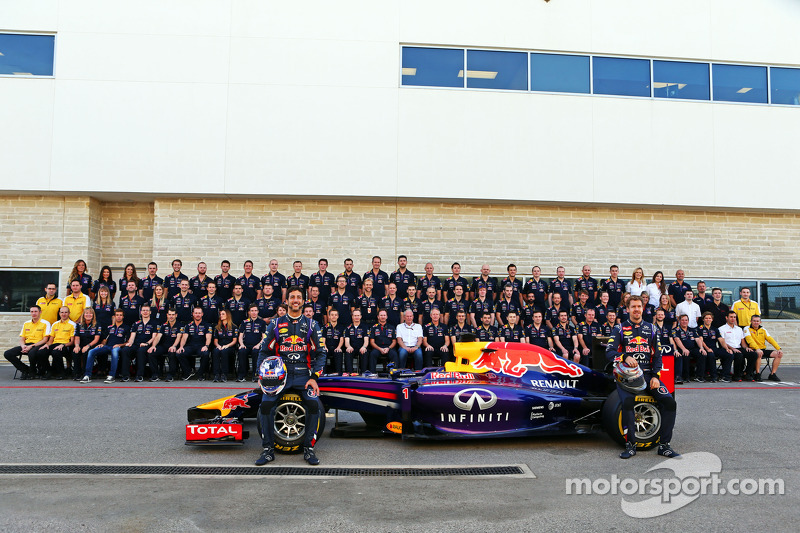 (L to R): Daniel Ricciardo, Red Bull Racing and team mate Sebastian Vettel, Red Bull Racing at a tea