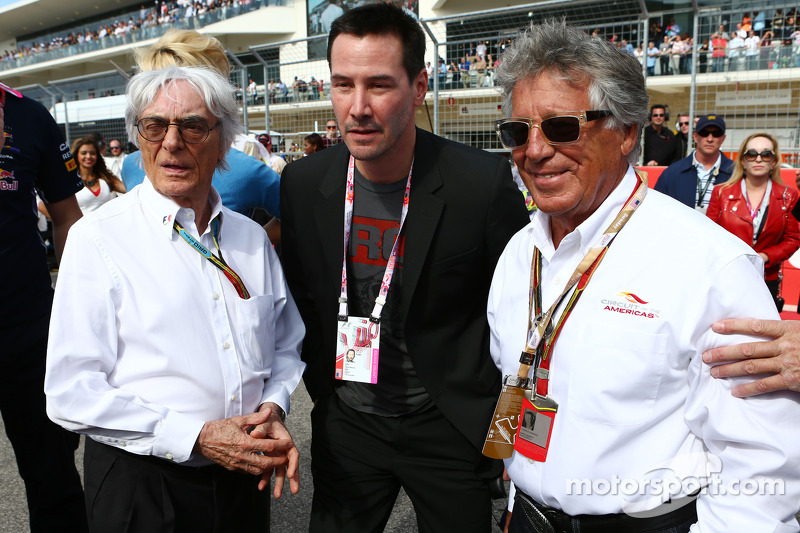 (L to R): Bernie Ecclestone, with  Keanu Reeves, Actor and Mario Andretti, Circuit of The Americas' Official Ambassador on the grid