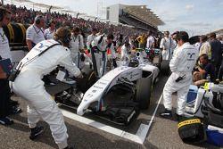 Valtteri Bottas, Williams FW36 on the grid