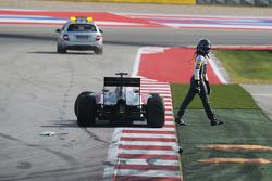 Adrian Sutil, Sauber C33 choca al momento de empezar la carrera