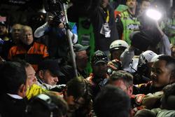 Pelea entre Jeff Gordon y Brad Keselwoski después de la carrera
