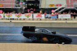 Matt Hagan teste le nouveau Dodge Avenger