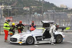 #84 HTP Motorsport Mercedes SLS AMG GT3: Maximilian Götz, Maximilian Buhk en problemas