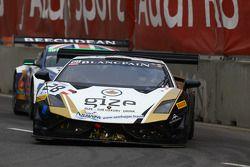 #28 Grasser Racing Team Lamborghini LFII: Hari Proczyk, Jeroen Bleekemolen