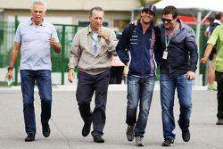 Felipe Nasr, Williams, Testfahrer; Steve Robertson, Fahrermanager
