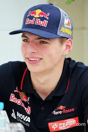 Max Verstappen, Scuderia Toro Rosso Testrijder