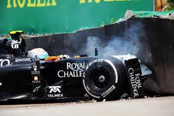 Unfall: Daniel Juncadella, Sahara Force India F1 VJM07 , Testfahrer