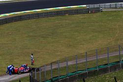 Jean-Eric Vergne, Scuderia Toro Rosso STR9 stops in the second practice session