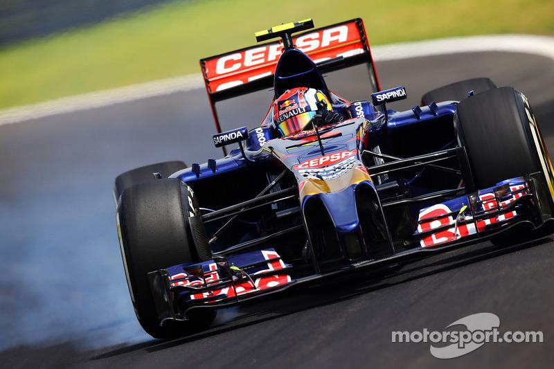 2014 год. За рулем болида Toro Rosso STR9 на пятничных тренировках