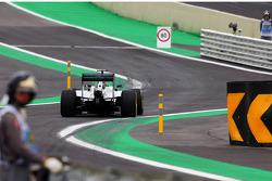Lewis Hamilton, Mercedes AMG F1 W05 enters the new pit lane